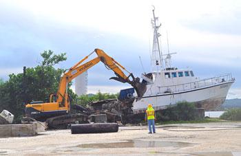 Demolition of Derelict Vessel at Seaplane Ramp